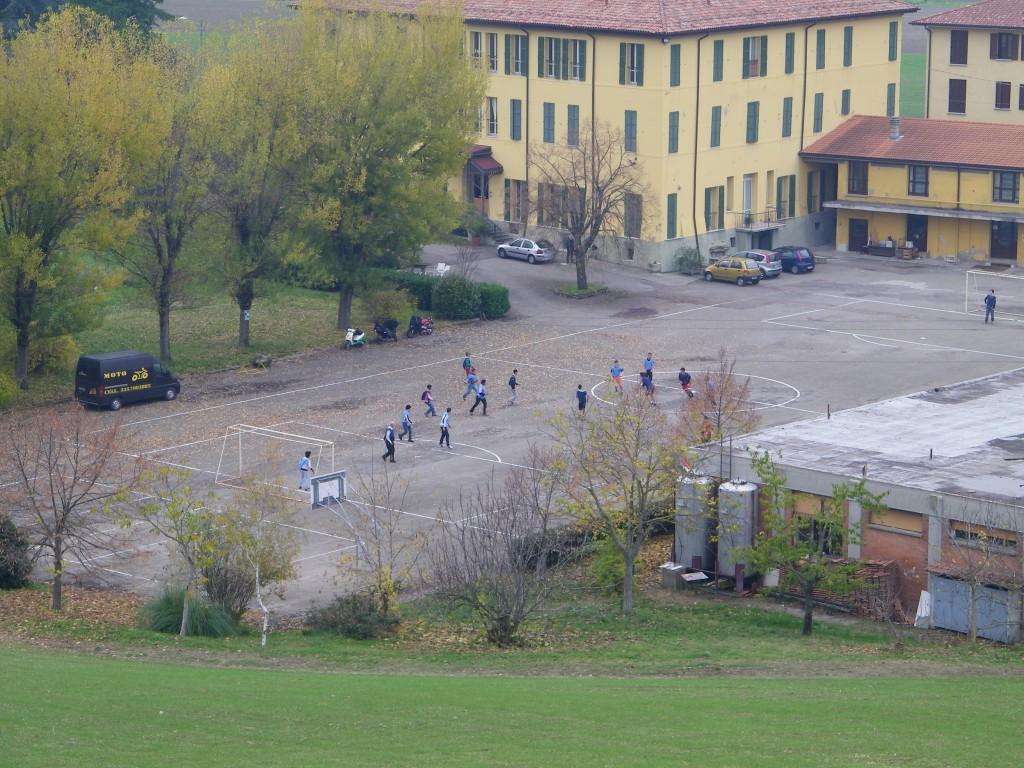 Partita a calcio dalla collina