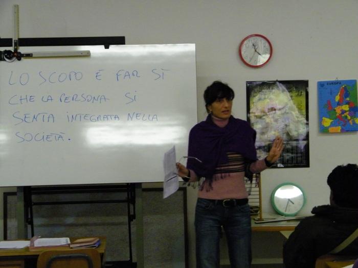 La prof. Venuti spiega